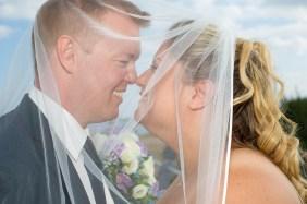 Brudeparret bag sløret, close-up
