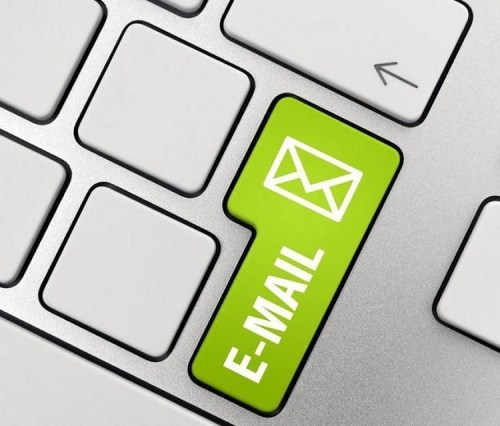 cómo mover un e-mail a la carpeta de no deseados b