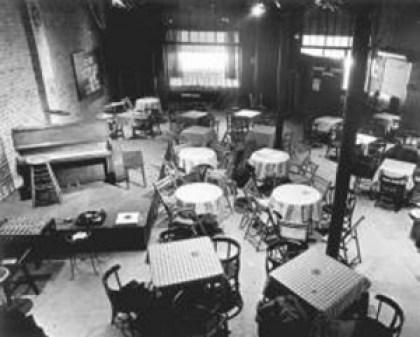 Lindsay - cafe hibou interior