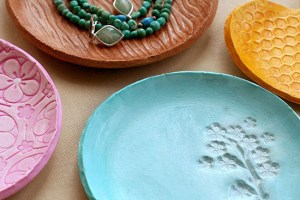 diy mother's day gift jewelry plates