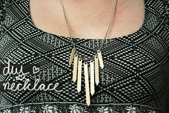 DIY - Wooden coffee stirrers necklace
