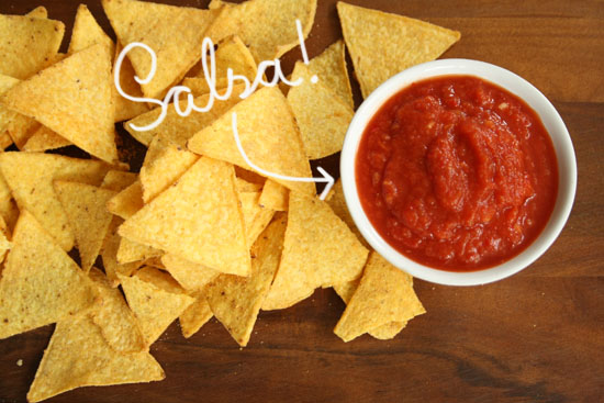 Recipe - Tomato salsa as tortilla chips dip sauce!