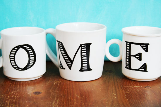 how to make these anthropologie inspired monogrammed mugs