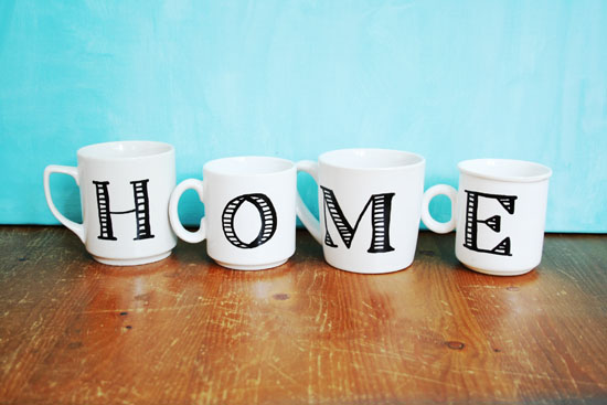 DIY - Anthropologie inspired monogrammed mugs
