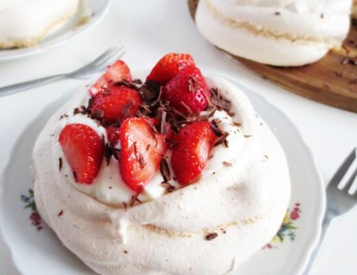recipe - strawberry pavlova