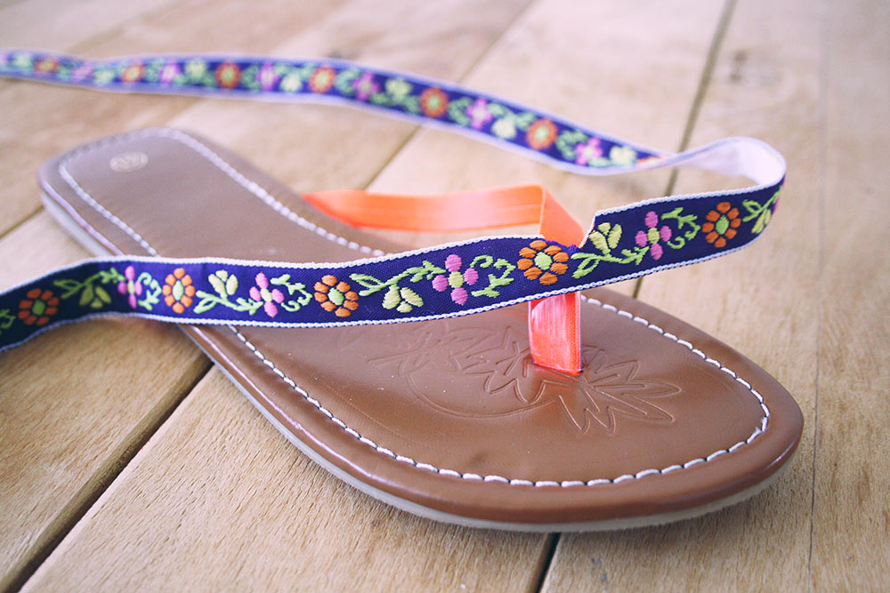 DIY - super easy bohemian flip flop makeover