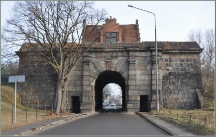 Brama Nizinna Leege Tor - zabytkowa, nowożytna brama miejska Gdańska