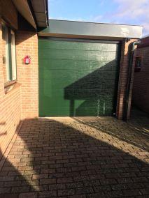 Sectionaal deuren groen garage