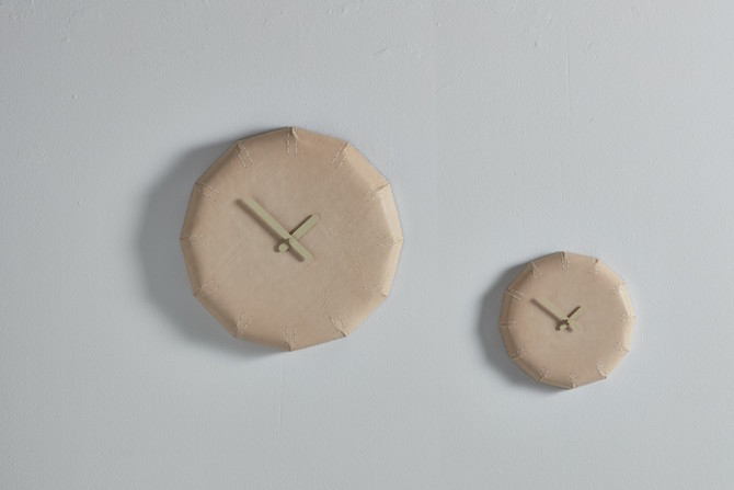 NOON leather wal clock | klok van leer | Maarten Baptist | Room|LOFT#2 | C-More Concept Store