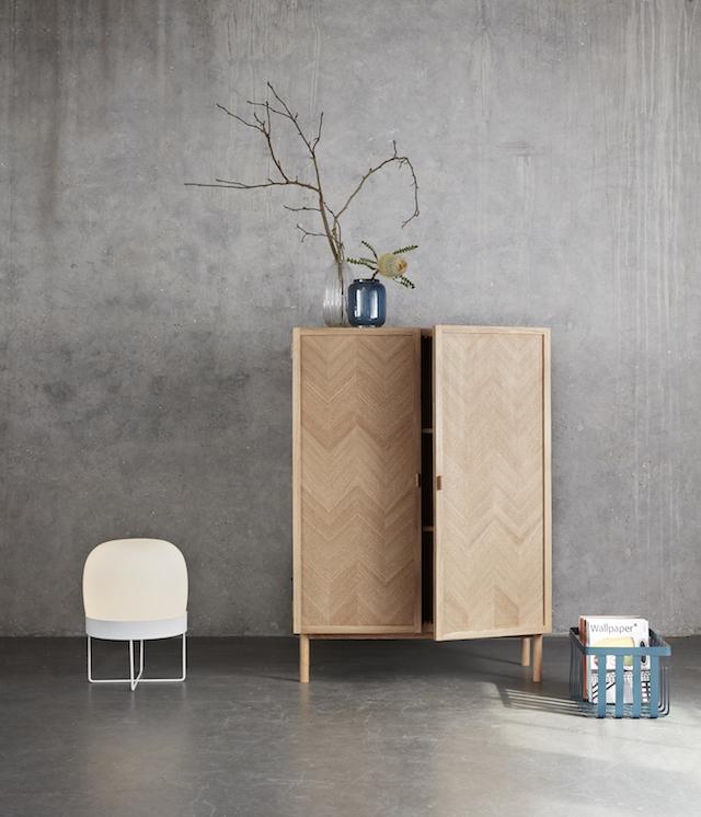 Hubsch bij C-More Concept Store | Houten kast met visgraat motief deuren | opbergen