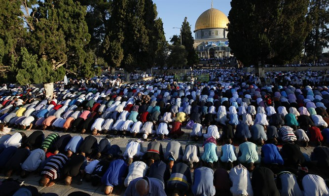 Muslims on the Temple Mount