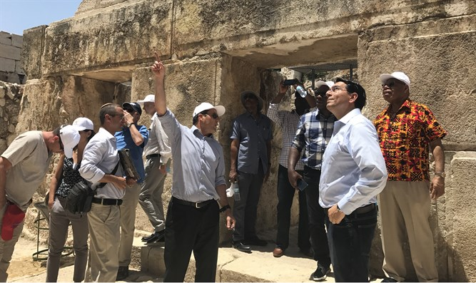 Barkat and Danon with UN ambassadors at City of David