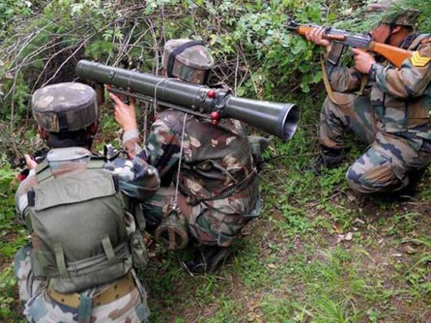 پاک فوج نے جوابی کارروائی کرتے ہوئے بھارتی چیک پوسٹوں کو نشانہ بنایا، آئی ایس پی آر - فوٹو: فائل