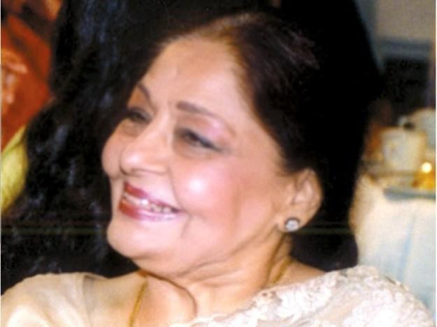 فریدہ خانم نے کہاکہ غزل کے شعبے میں پاکستان نے انمول گائیکوں کو جنم دیا، غزل گائیکہ۔ فوٹو: فائل