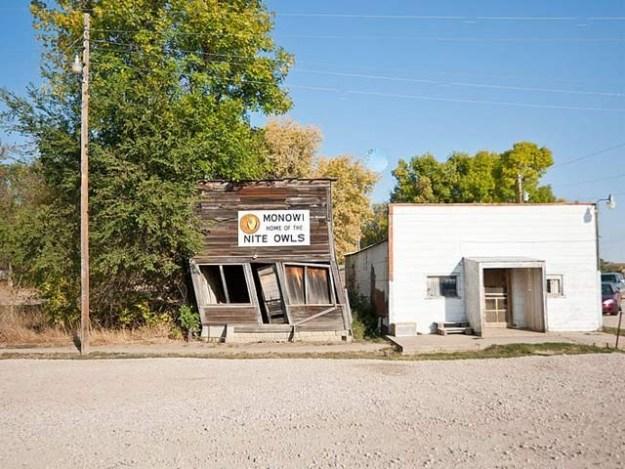 اس امریکی گاؤں میں صرف ایک خاتون رہائش پذیر ہیں جو یہاں کی میئر، لائبریرین اور دکان دار بھی ہیں۔ فوٹو: بشکریہ آرکنساس ٹوڈے