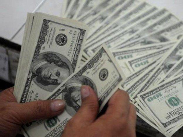 2روز میں ڈالر کی قدر میں.30 1روپے اضافہ،حکومت کوقوم کواعتماد میں لے، ملک بوستان۔ فوٹو: سوشل میڈیا