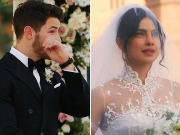 شادی کے موقع پر نک جونز کے چہرے پر مسکراہٹ اور آنکھوں میں نمی واضح طور پر دیکھی جاسکتی ہے فوٹوفائل
