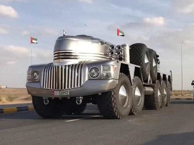 امارتی شیخ حمدان بن حمدان نے ٹرک اور جیپ کے ملاپ سے دنیا کی سب سےبڑی اور عجیب و غریب ایس یو وی بنانے کا اعلان کردیا ہے۔ فوٹو: بشکریہ اوڈٹی سینٹرل