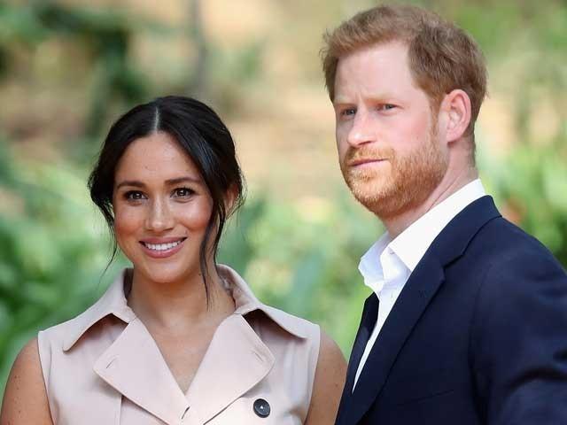 برطانوی شہزادہ ہیری اوران کی اہلیہ میگھن سے شاہی خطابات واپس لے لئے گئے