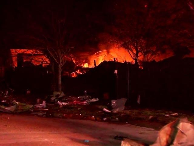 امریکی شہر ہوسٹن میں زوردار دھماکا، آگ کے شعلے آسمان کو چھونے لگے