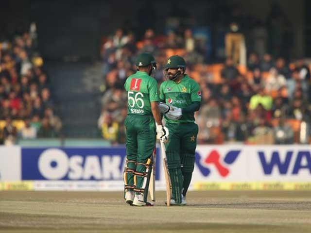 پاکستان نے بنگلادیش کو دوسرے میچ میں شکست دیکر سیریز میں فیصلہ کن برتری حاصل کرلی