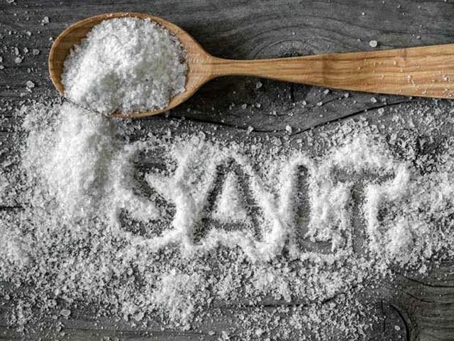 نمک کی زیادتی امنیاتی نظام کے لیے نقصاندہ ہوسکتی ہے