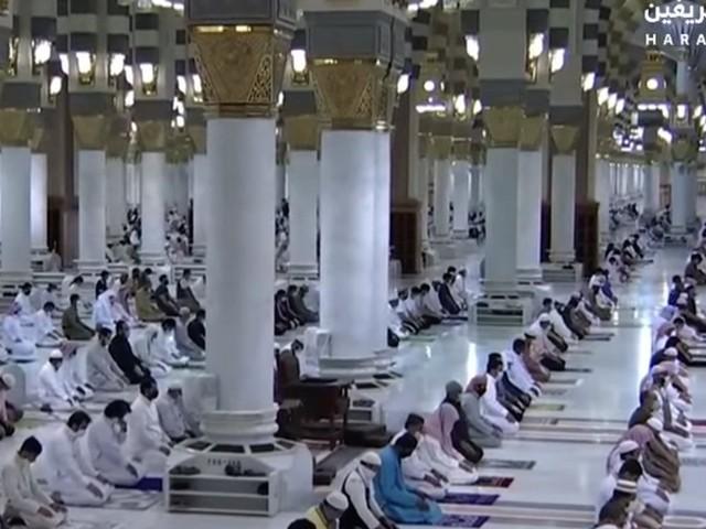 مسجد نبوی اور مسجد اقصیٰ کو نمازیوں کے لیے کھول دیا گیا