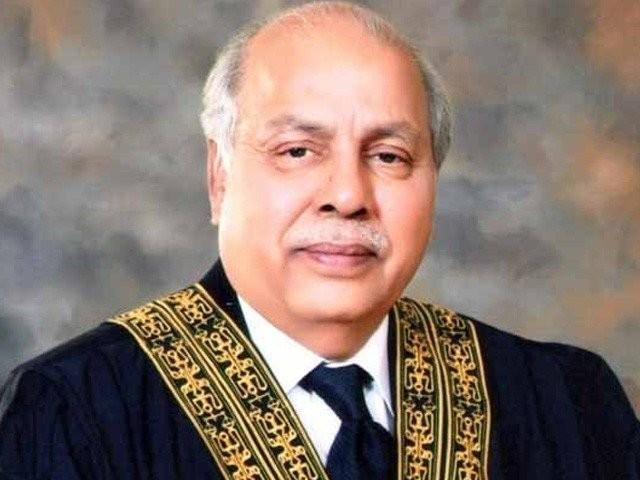 لوگوں سے بھرا کمرہ عدالت دیکھ کر چیف جسٹس پاکستان برہم