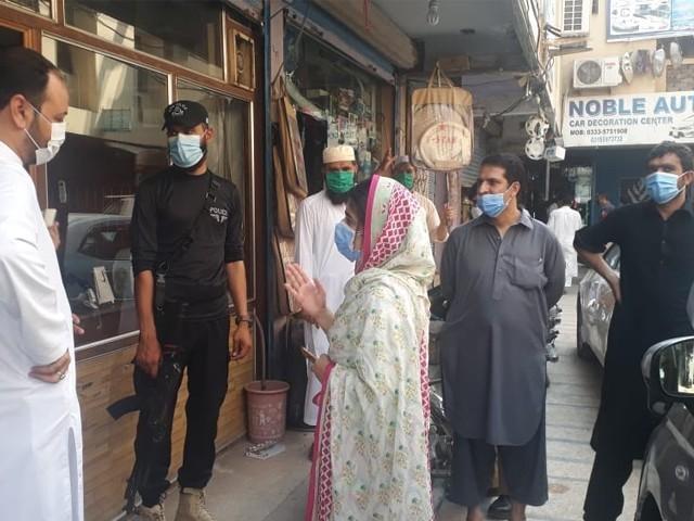پشاور میں ایس او پیز کی خلاف ورزی پر دو شاپنگ پلازہ سیل، 162 گرفتار