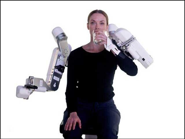 فالج کے مریضوں کے لیے مددگار روبوٹک لباس