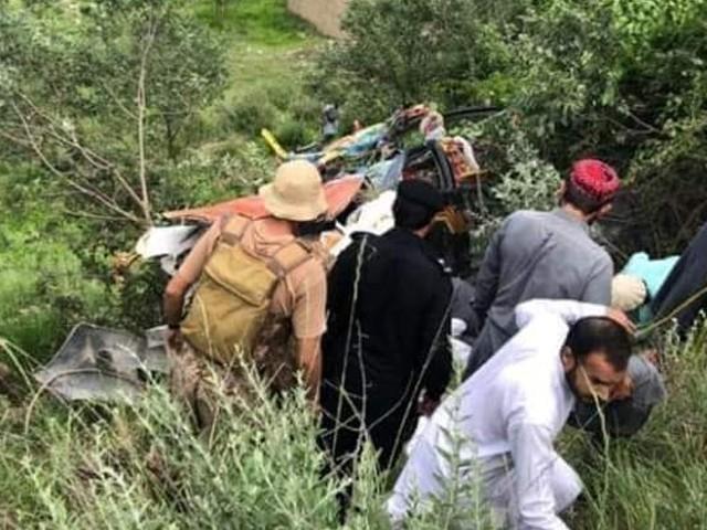 جنوبی وزیرستان میں زائرین کی گاڑی کو حادثہ، 5 افراد جاں بحق