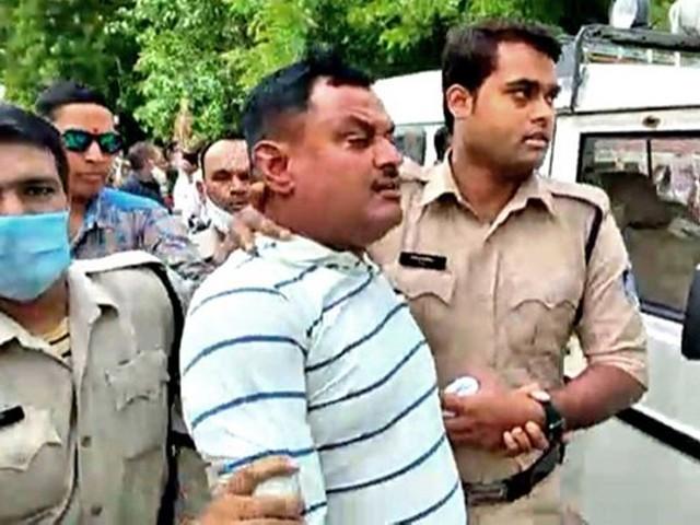 بھارت کا مطلوب ترین گینگسٹر پولیس مقابلے میں ہلاک