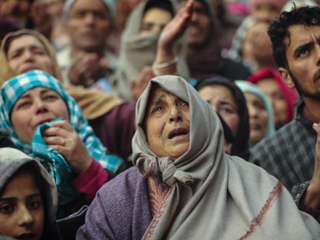 پاکستان سمیت دنیا بھر میں آج یومِ شہدائے کشمیر منایا جارہا ہے
