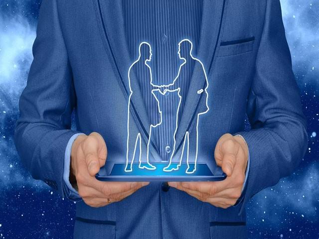 ہولوگرام بیم ٹیکنالوجی کے ذریعے فوت شدہ افراد سے بھی 'تقریباً حقیقی ملاقات' ممکن