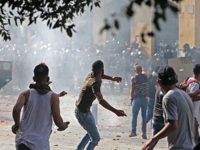 لبنانی حکومت مظاہروں کے سامنے نہ ٹھہر سکی، وزیر اعظم مستعفی