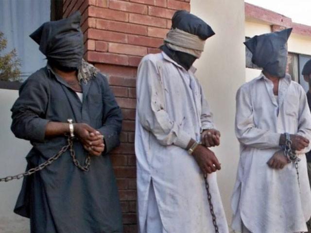 چارسدہ میں دہشتگردی کا بڑا منصوبہ ناکام، کالعدم تنظیم کے 3 دہشت گرد گرفتار