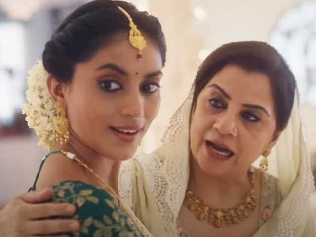 اشتہار میں ہندو لڑکی کو مسلم گھرانے کی بہو دکھانا مشہور بھارتی برانڈ کو مہنگا پڑگیا