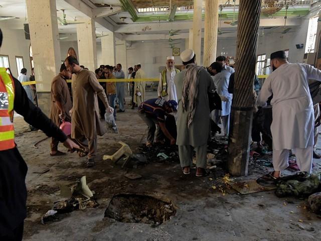 پشاور میں مدرسے کے اندر دھماکے سے بچوں سمیت 7 افراد جاں بحق، 70 زخمی