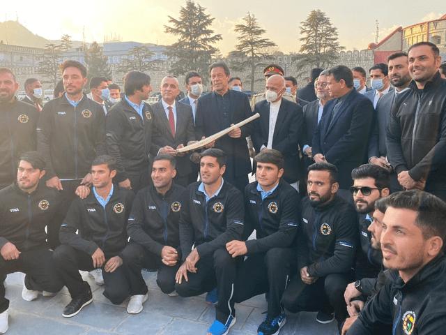 وزیراعظم سے افغان کرکٹ ٹیم کی ملاقات، پاکستان سے سیریز کی درخواست