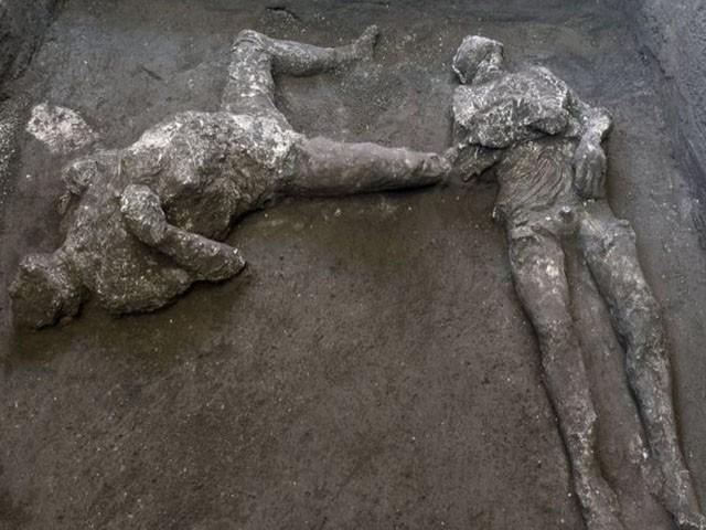 اٹلی میں غیرمعمولی حد تک محفوظ 2 ہزار سال پرانی لاشیں برآمد