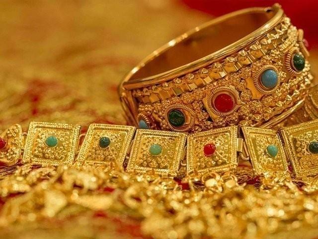پاکستان میں سونے کی قیمت میں یکدم 2350 روپے کی کمی
