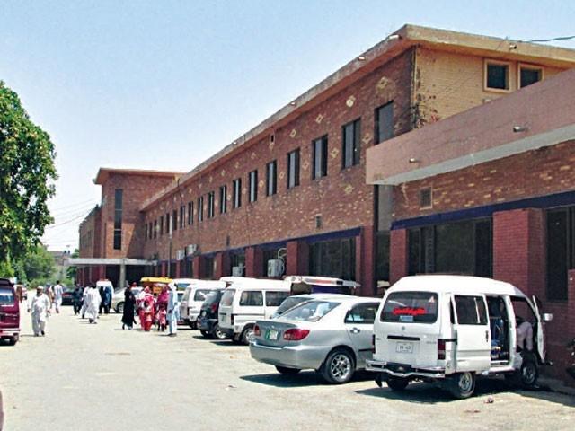 گجرات میں اسپتال کے ڈاکٹرز کے 2 گروپوں میں تصادم، 5 زخمی