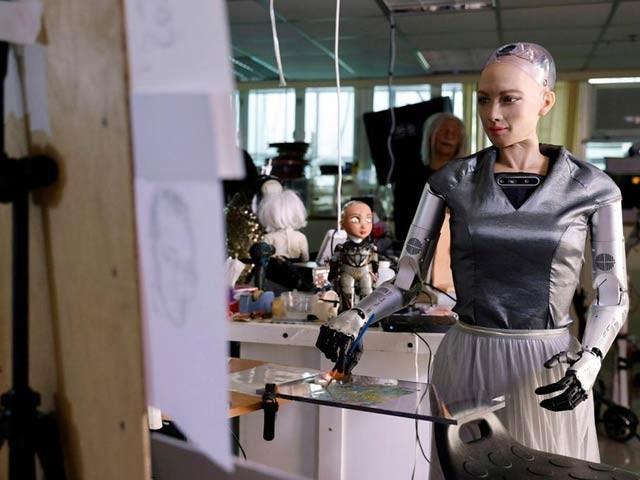 روبوٹ مصورہ کے ڈیجیٹل فن پارے نیلامی کےلیے پیش