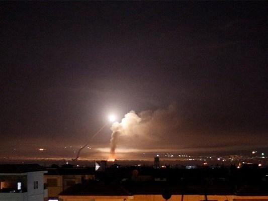 میزائل حملے میں 4 شامی فوجی زخمی۔ فوٹو : فائل