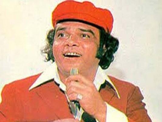 گیت ''بندر روڈ سے کیماڑی میری چلی رے گھوڑا گاڑی'' نے احمد رشدی کی مقبولیت کے لیے راہیں ہموار کیں (فوٹو: فائل)