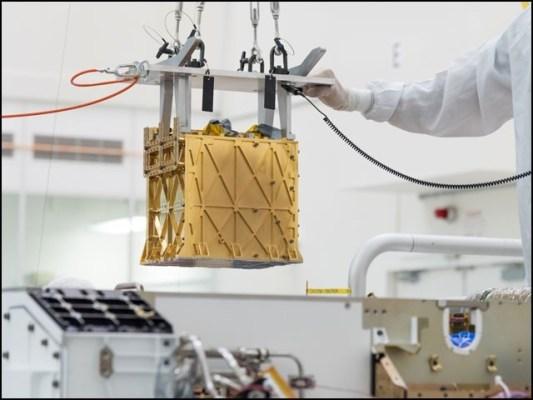 ''موکسی'' کا مقصد مریخی فضا کی کاربن ڈائی آکسائیڈ سے آکسیجن الگ کرنے والی ٹیکنالوجی کا عملی مظاہرہ کرنا ہے۔ (تصاویر: ناسا/ جے پی ایل)