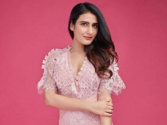 فاطمہ ثنا شیخ ان دنوں اپنی نئی ویب سیریز ''عجیب داستان'' کی وجہ سے خبروں میں ہیں