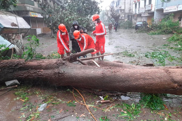Cyclone takte hit india 5