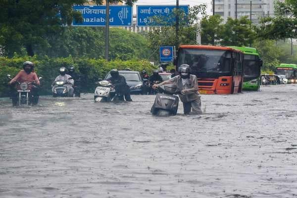 Rain in Delhi 3