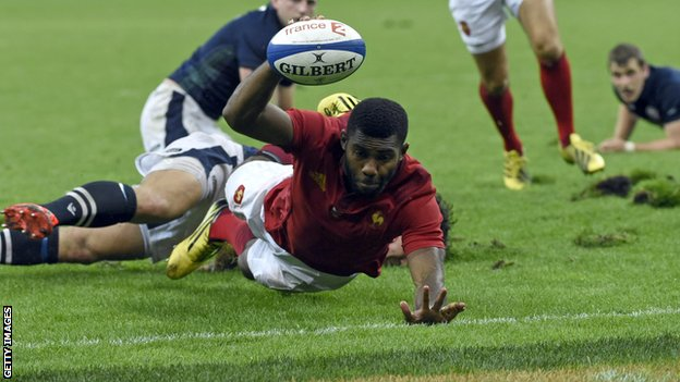 Noa Nakaitaci takes advantage of Scotland being a man down to score the decisive try for France